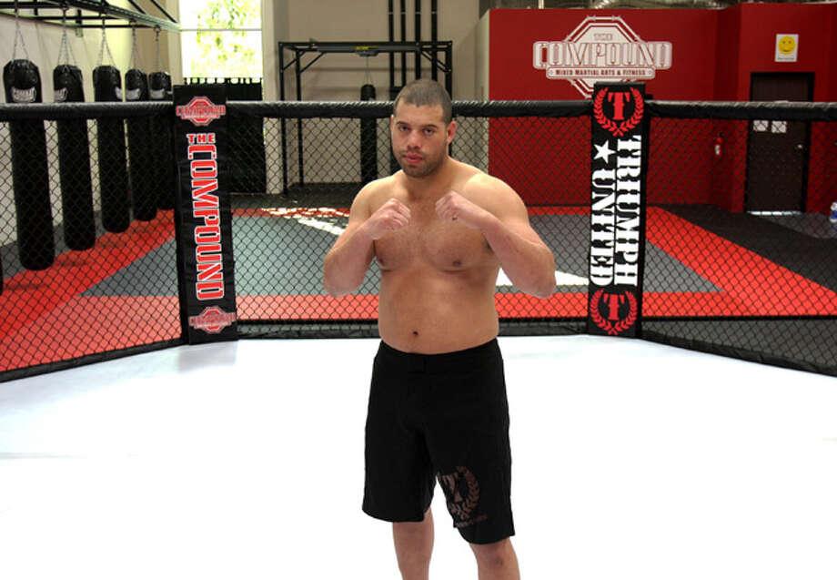 Former UFC star Eddie Sanchez will battle Elite XC veteran Ralph Kelly in the Bellator event.