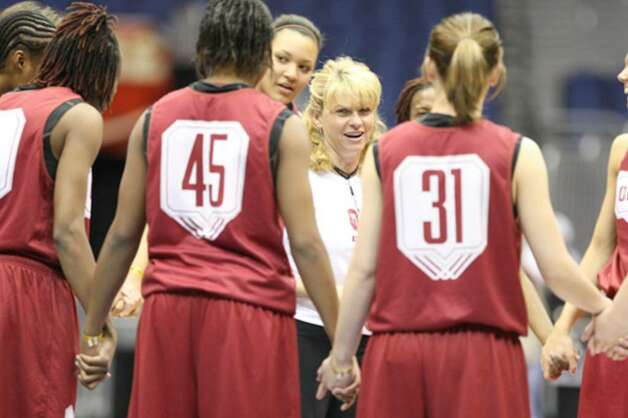 Oklahoma coach Sherri Coale talks to her team during preparations for today's game against Stanford.