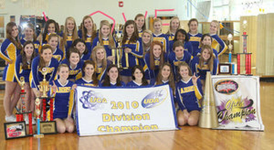 The Alamo Heights High School varsity competition cheer team placed sixth overall in the Universal Cheerleaders Association national high school competition.