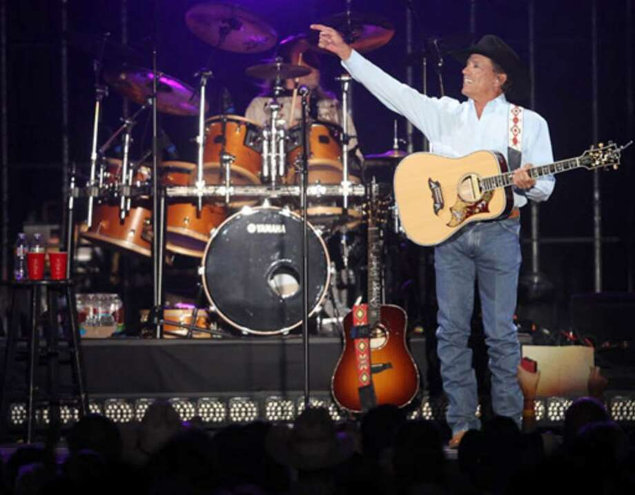 George Strait donned a black cowboy hat for his Dome concert instead of the white one fans are used to seeing.