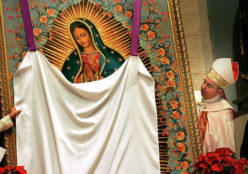 "In a step affirming the importance of U.S. Hispanics in the Catholic Church, Pope Benedict XVI chose San Antonio Archbishop Jos? Gomez to lead the nation's largest diocese in Los Angeles. Gomez, 58, steered the San Antonio archdiocese for five years, earning spots on national and international Catholic boards and committees, reviving output of the local seminary and spreading policies in keeping with his theologically conservative call for Catholics to revisit their faith.  The pope named Gomez as the ""coadjutor archbishop"" - or successor in waiting - to Los Angeles Cardinal Roger Mahony, who will retire in February when he turns 75. / SAN ANTONIO EXPRESS-NEWS"