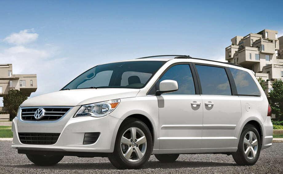 Vw Teams With Chrysler On Routan San Antonio Express News