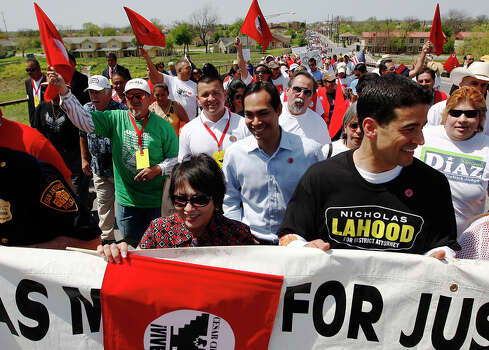 Mayor Julian Castro was among the several thousand participants in the march. / San Antonio Express-News