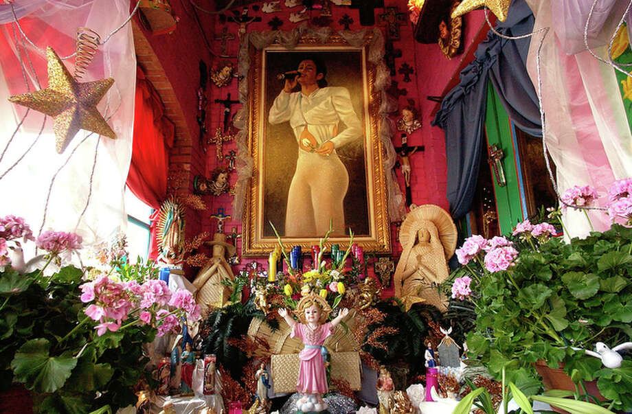 Fifteen years after her death people around San Antonio continue to keep the memory of Selena alive in a variety of forms including a shrine at Mi Tierra restaurant. / San Antonio Express-News