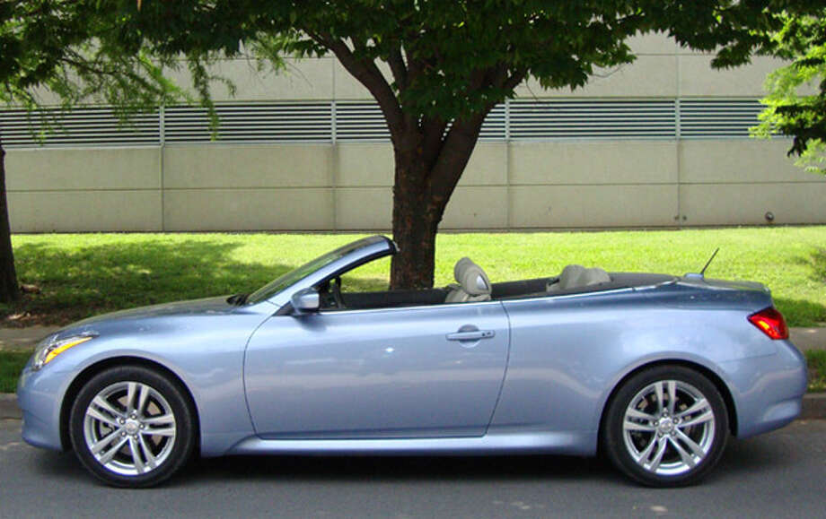 The 2010 Infiniti G37 Convertible Was Designed To Look As Good With Top Up