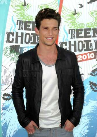 Daren Kagasoff 23 Plays The Bad Boy In The Abc Family 421762 Greenwichtime After the show ended, daren went on to star in delirium, which never made it to series, as well as ouija and red band. daren kagasoff 23 plays the bad boy