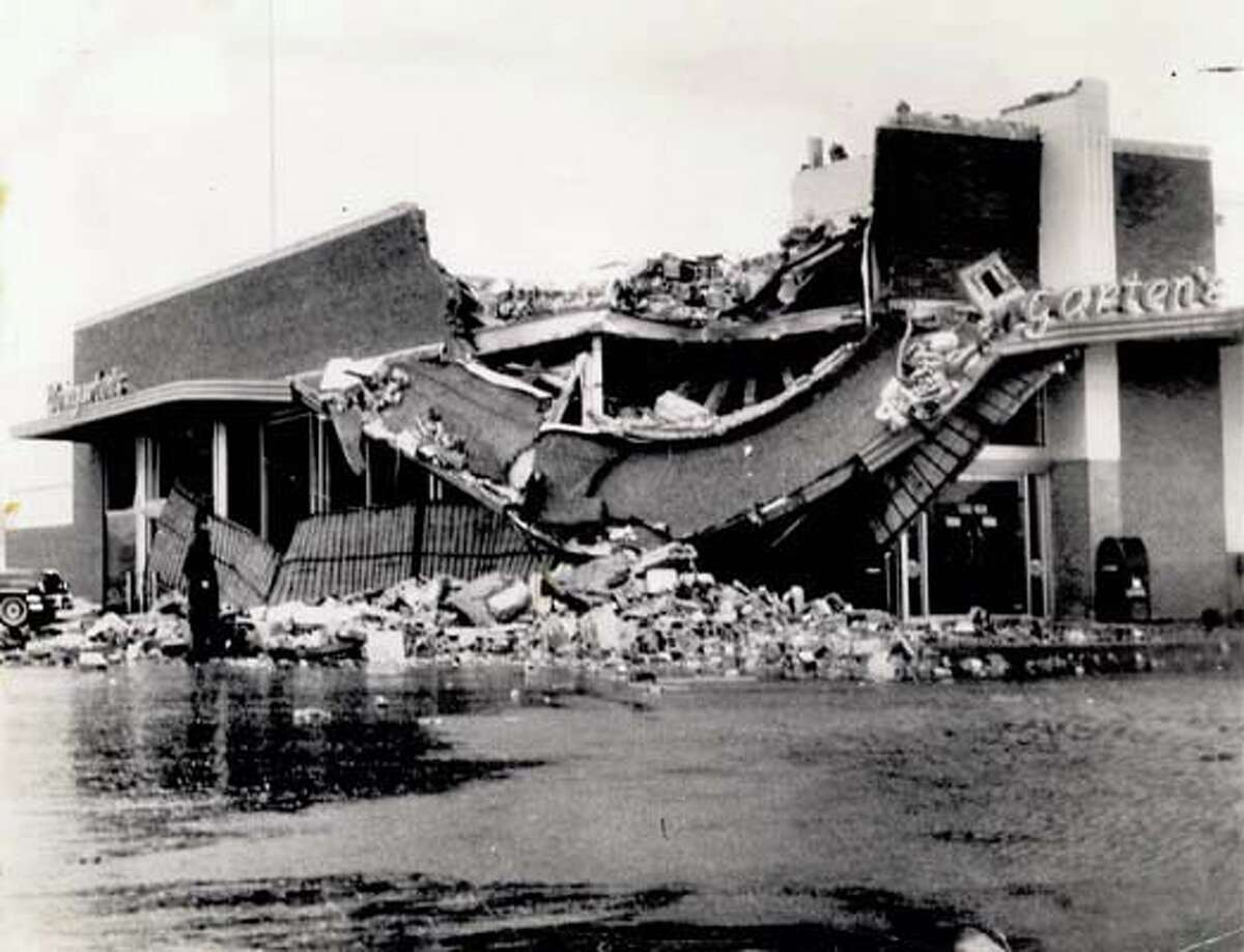 Hurricane AudreyDate: 6/27/1957Landfall: Sabine PassWinds: 145 mphCategory: 4Dead: 9Gale winds from Hurricane Audrey toppled a heavy electric sign above the Weingarten's supermarket at Gilham Circle in Port Arthur. The sign smashed in part of the facade, roof and a corner of the store as it fell, causing an estimated $20,000 in damage.