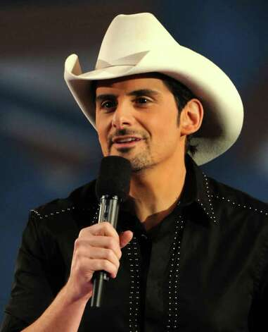 NASHVILLE, TN - NOVEMBER 10:  Host Brad Paisley speaks at the 44th Annual CMA Awards at the Bridgestone Arena on November 10, 2010 in Nashville, Tennessee.  (Photo by Rick Diamond/Getty Images) *** Local Caption *** Brad Paisley Photo: Rick Diamond, Getty Images / 2010 Getty Images
