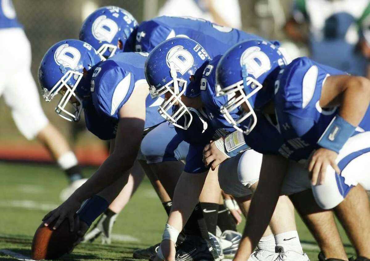 The Darien Offensive line dominated the game as The blue Wave hosts The Norwalk Bears on Saturday, November 13th in Darien, Conn.