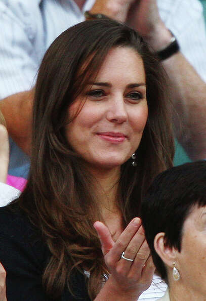 LONDON - JUNE 28:  Prince William's girlfriend Kate Middleton attends day six of the Wimbledon Lawn