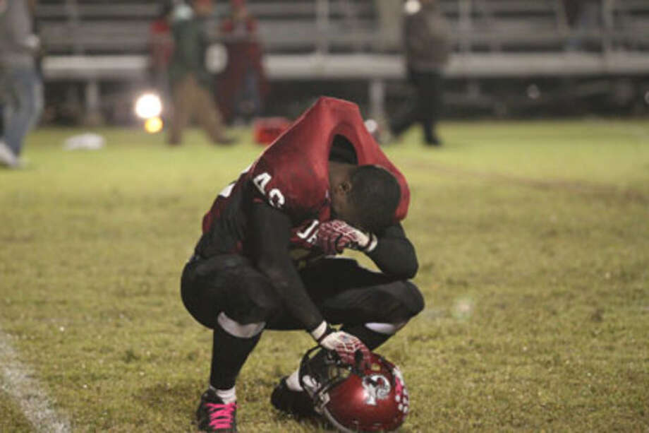 Jasper's Shawn Jones reacts following Jasper's loss to Diboll.