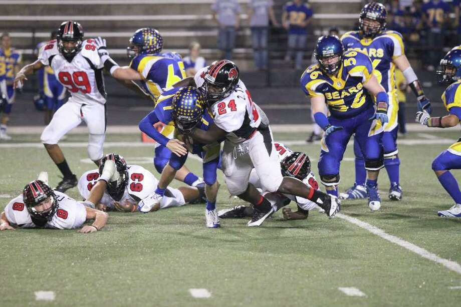 Kirbyville's defense during the bi-district playoff. Photo: Jason Dunn