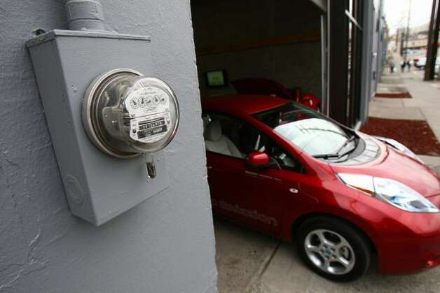A Nissan Leaf is shown at Stadium Nissan of Seattle. Photo: Joshua Trujillo/seattlepi.com