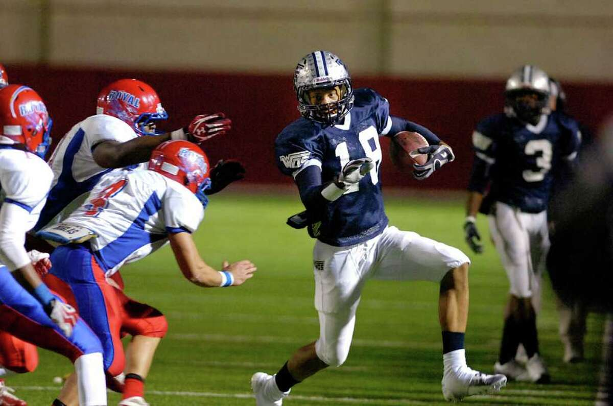 West Orange-Stark wide receiver Mark Roberts works on a first down run in the final moments of the second quarter against Brookshire Royal at Woodforest Bank Stadium in Shenandoah, TX. Friday, November 19, 2010. Valentino Mauricio/The Enterprise