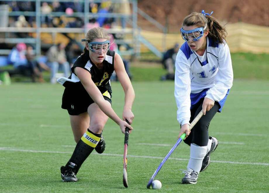 Darien High School wins against Daniel Hand High School for the Class M field hockey state tournament at Wethersfield High School in Wethersfield, CT on Saturday November 20, 2010. Photo: Shelley Cryan / Shelley Cryan freelance; Stamford Advocate Freelance