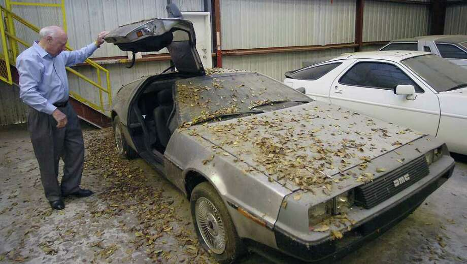 delorean in beaumont garage is 39 back from the future 39 beaumont enterprise. Black Bedroom Furniture Sets. Home Design Ideas