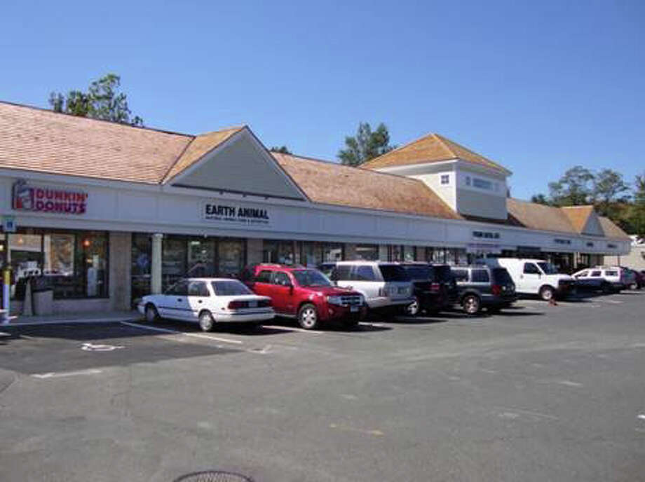 Roundabout Designer Consignment has signed a long-term lease for 3,865-square-feet of retail space in the newly renovated Village Center of Westport, located on the Post Road. Photo: Contributed Photo / Westport News contributed