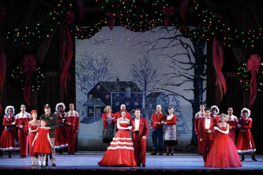 The big finale in Irving Berlin?s White Christmas (Tanner Photography)