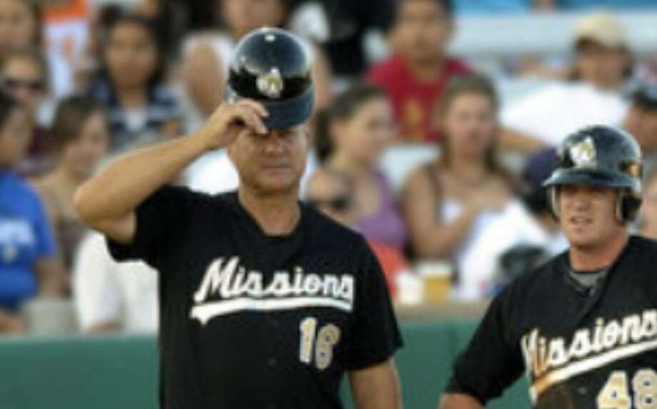 Missions manager Terry Kennedy (left) and third baseman Logan Forsythe will try to use Arkansas' improbable push to a title last season as a model.