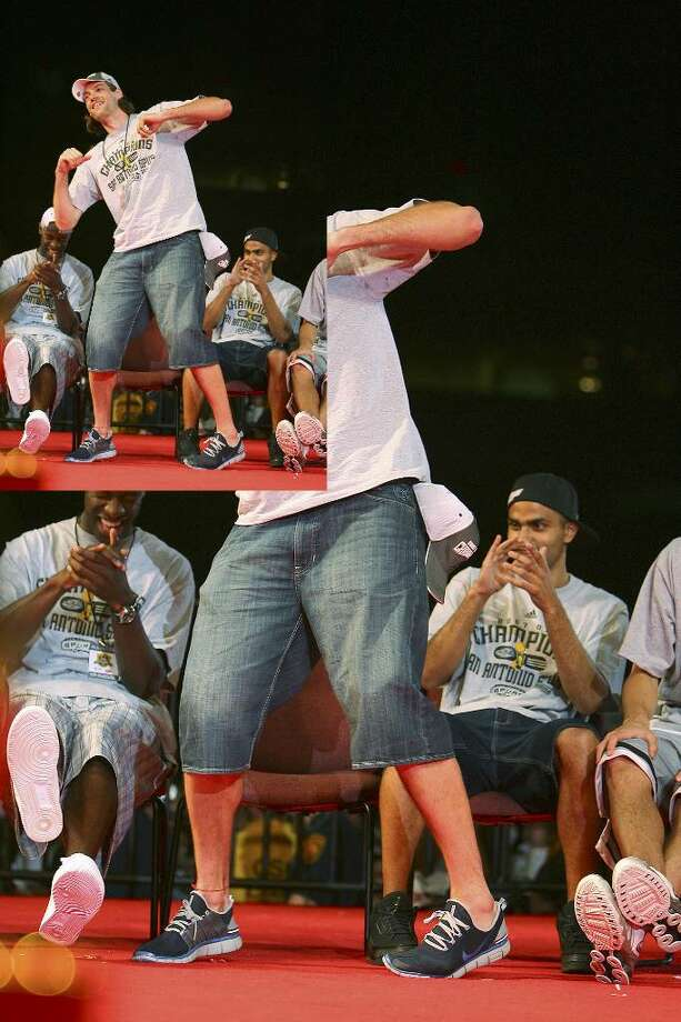 Fabricio Oberto dances during the Spurs' title celebration at the Alamodome in 2007.