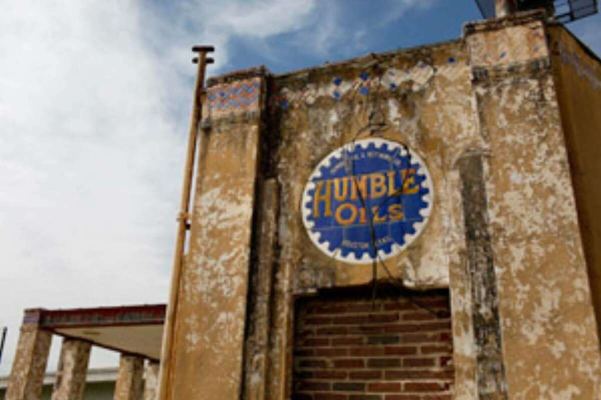 Author Mark Louis Rybczyk called it 'the last Humble station' and declared it an 'empty monument' to a lost era.
