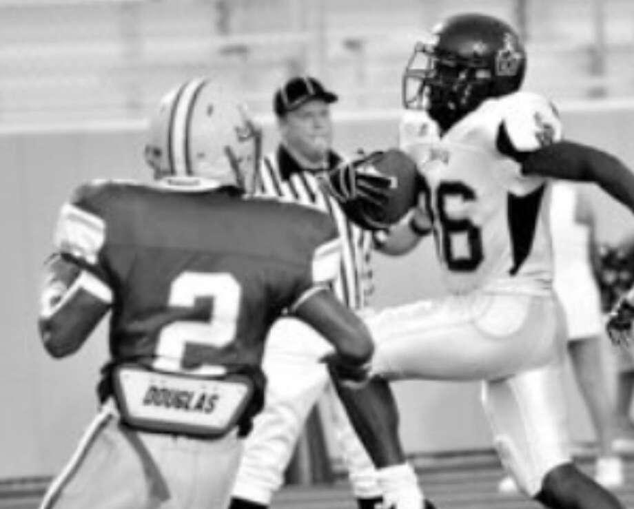 Warren running back Jamal Washington scores a first-half touchdown against Judson on Thursday.