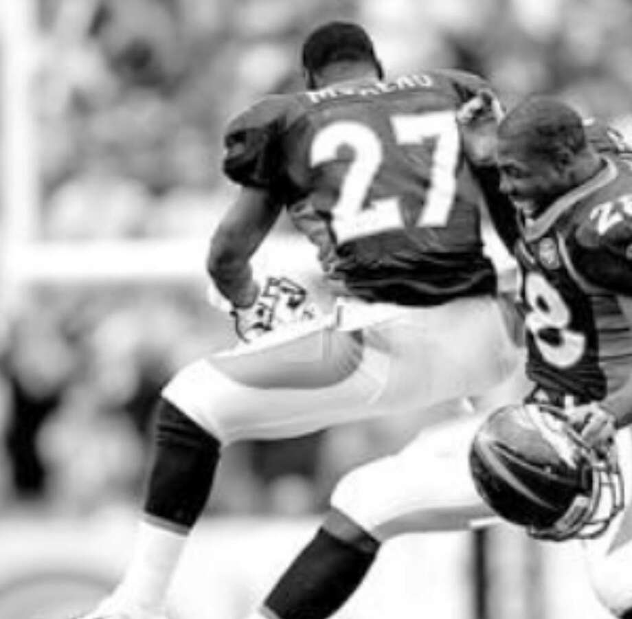 Running backs Knowshon Moreno (left) and Correll Buckhalter have the Broncos ranked fourth in the NFL in rushing. Buckhalter averaged nearly 5.6 yards per carry against Dallas while he was with Philadelphia.