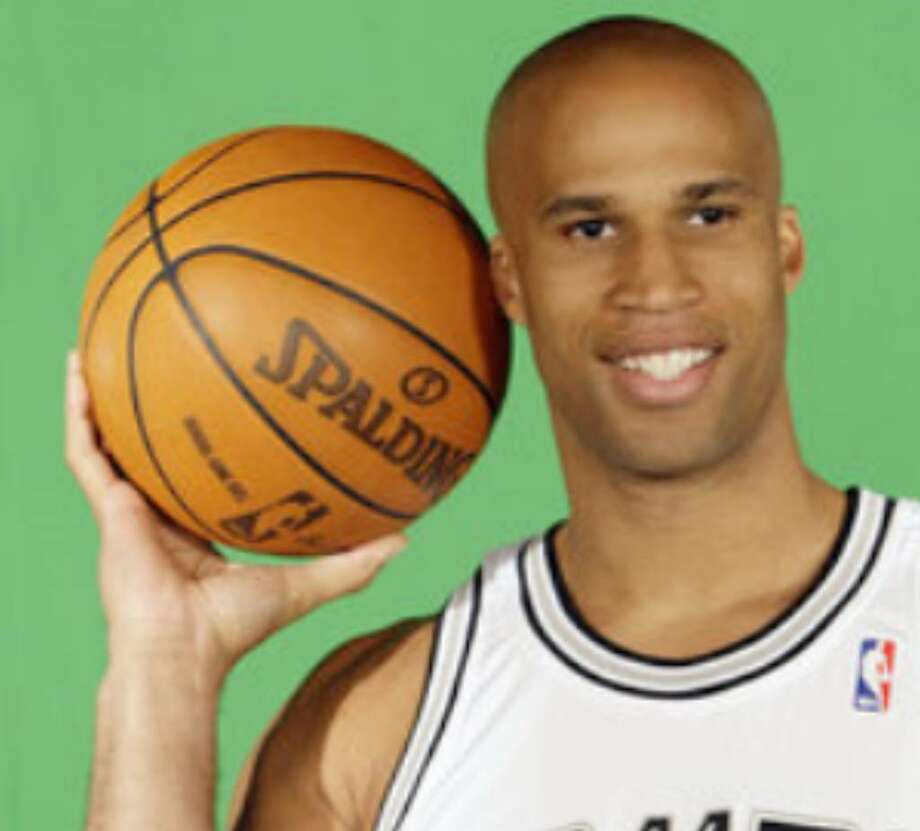 Richard Jefferson dislocated his right thumb while playing in a game at the Spurs' practice facility.