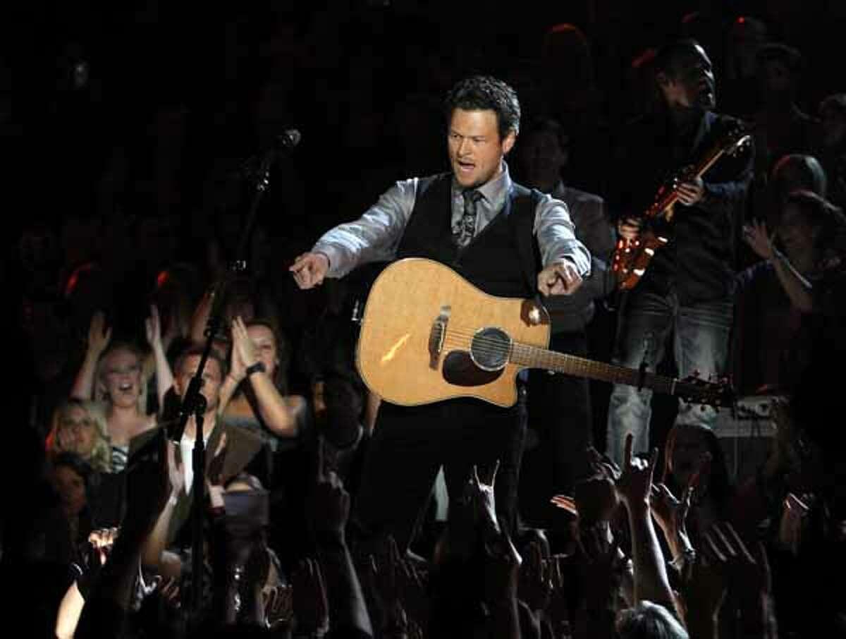 Blake Shelton performs at the 44th Annual Country Music Awards in Nashville, Tenn., Nov. 10, 2010.