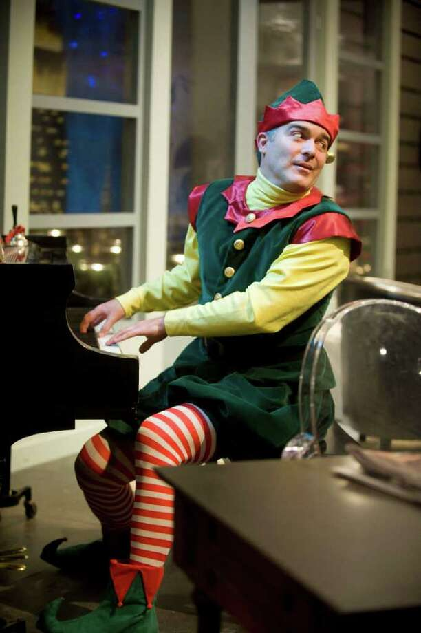 """Santaland Diaries"" at Shakespeare and Company features Peter Davenport as Crumpet the Elf. (Kevin Sprauge) Photo: Kevin Sprague / ©Kevin Sprague. All rights reserved"