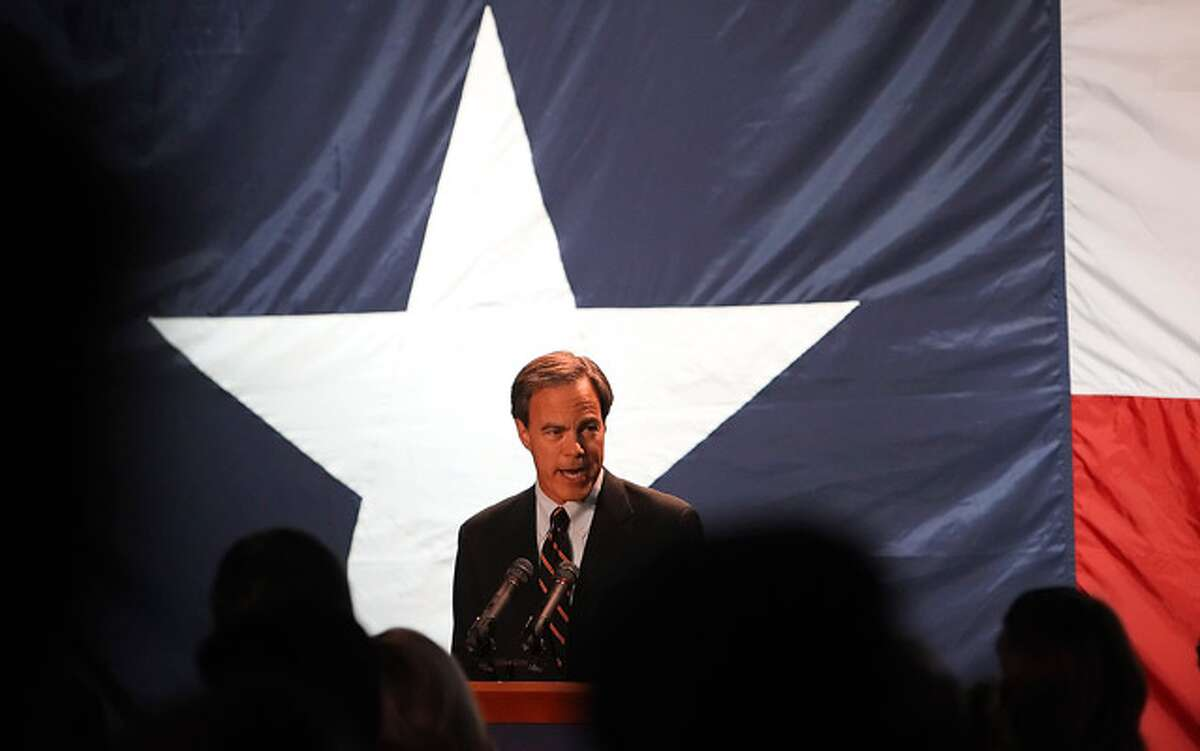 Texas House Speaker Joe Straus of San Antonio could be facing a challenge to his leadership from more conservative Republicans.