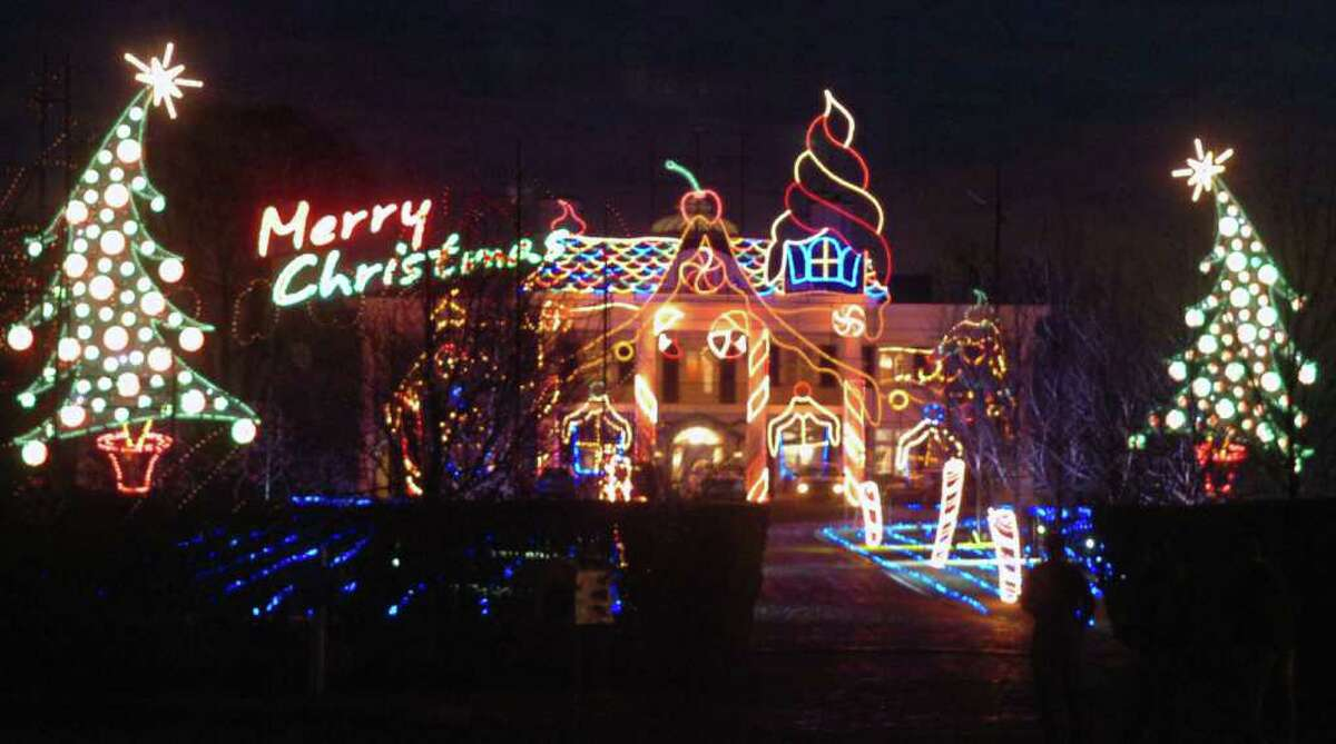 In this December 2008 file photo, the annual Christmas light display at the Belle Haven estate of Paul Tudor Jones III is shown.