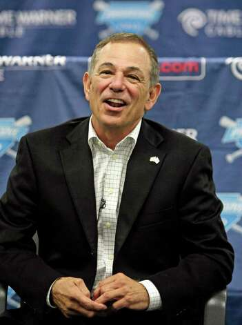 In this Oct. 22, 2009, file photo, former New York Mets manager Bobby Valentine talks with the media  in Cleveland.  A person familiar with the Florida Marlins' managerial search says the team was nearing a deal with Bobby Valentine and a meeting is scheduled for Friday, June 25, 2010. However, other interviews were still planned. Former Marlins' third-base coach Bo Porter also was speaking with the team about the job, getting a telephone interview Friday. Photo: AP