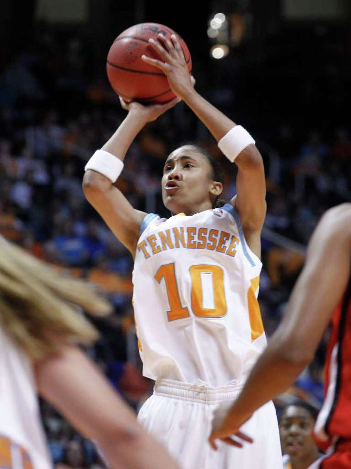 Tennessee's Meighan Simmons shoots during the first half of an NCAA college basketball game against Lamar Wednesday, Dec. 1, 2010, in Knoxville, Tenn. (AP Photo/Wade Payne)