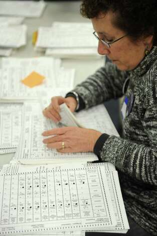 Yvonne Senturia helps re-count ballots at the City Hall Annex on Thursday, November 2, 2010. Photo: Lindsay Niegelberg / Connecticut Post