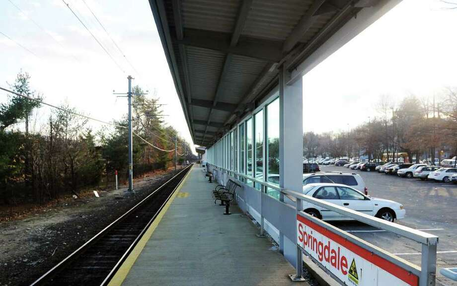 The new canopy at the Springdale train station in Stamford, Conn. on Thursday December 2, 2010.  The state is considering spending nearly $1 million for a similar canopy at the Glenbrook train station. Photo: Kathleen O'Rourke / Stamford Advocate