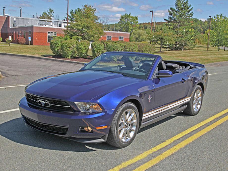 2011 Ford Mustang V-6 Premium (Photo by Dan Lyons) Photo: Dan Lyons / copyright: Dan Lyons 2009