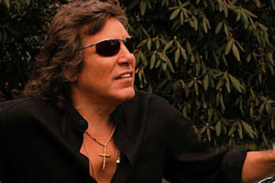 Jose Feliciano's concert with the San Antonio Opera will include his signature holiday hit and other recognizable tunes.