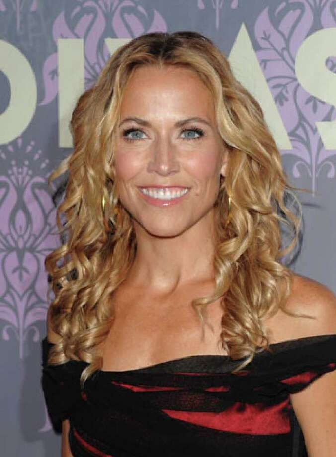 Sheryl Crow is joining others in calling on the federal government to halt wild horse roundups in the West, branding them as inhumane and unnecessary.
