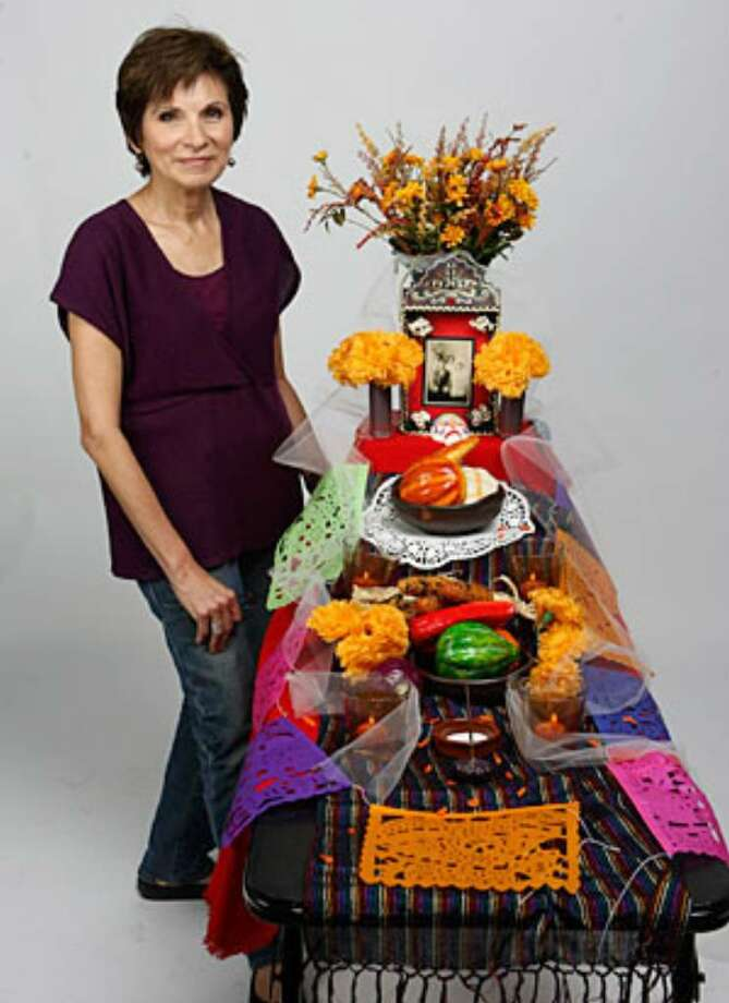 "Building an altar for Día de los Muertos doesn't have to be a time-consuming or expensive project. ""The purpose of the altar is remembrance,"" says San Antonio native Thelma Muraida, who is teaching Día de los Muertos workshops this year at the Guadalupe Cultural Arts Center."
