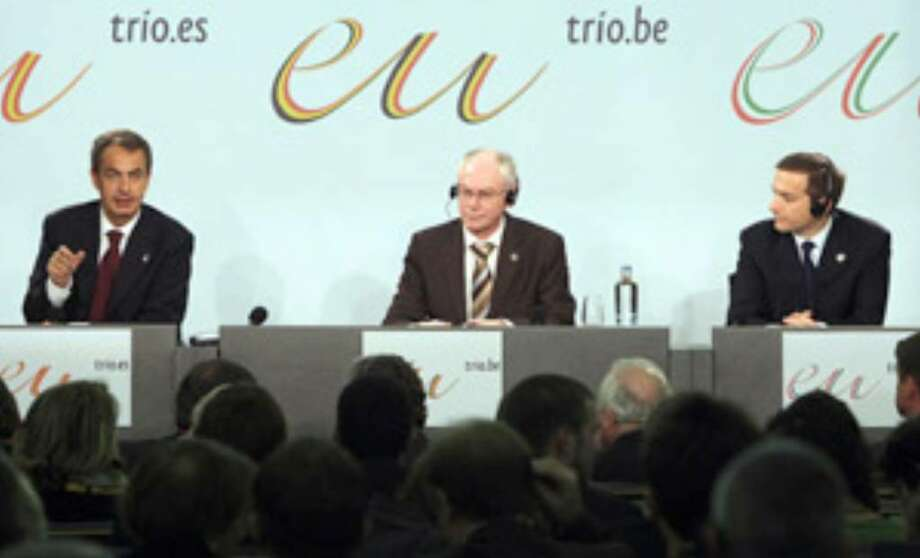 Prime Ministers (from left) Jose Luis Rodriguez Zapatero of Spain, Herman Van Rompuy of Belgium and Gordon Bajnai of Hungary are among those facing a difficult EU summit.