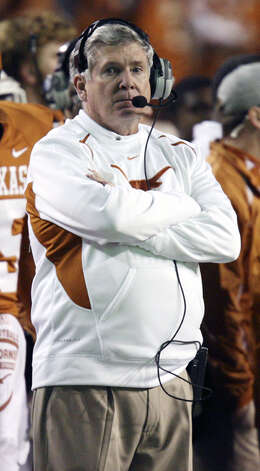 Mack Brown Brown has chosen to push the pace like Oregon and Oklahoma State, which is appropriate, says Mike Finger, because in more ways than one, Brown is running out of time. Photo: Edward A. Ornelas/eaornelas@express-news.net
