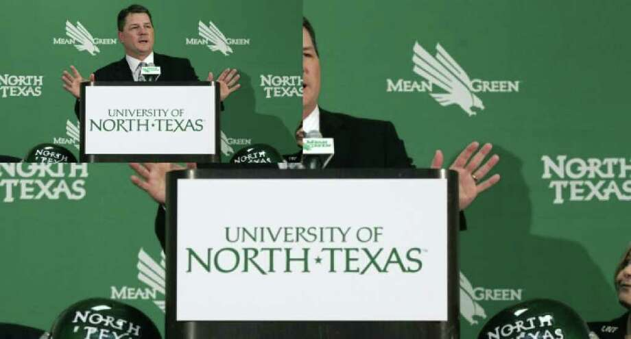 Todd Dodge speaks at a news conference Dec. 12, 2006, in Denton during an announcement that Dodge was hired as North Texas football coach.
