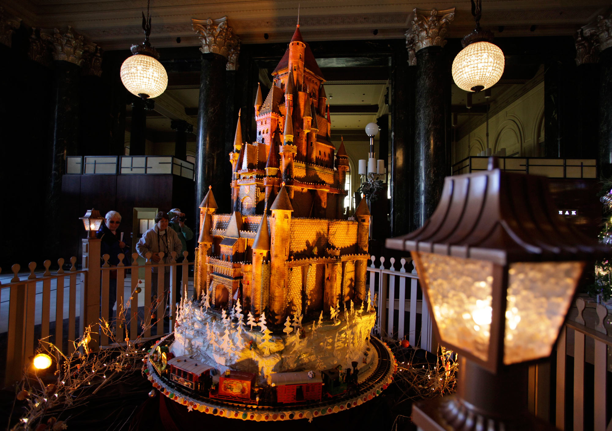Gingerbread Displays Are Sweet Temptations For Crowds   San Antonio  Express News
