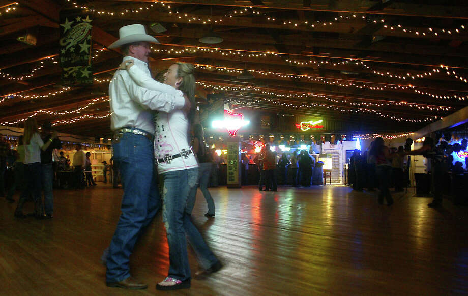 Take some lessons. If you feel uncomfortable about rushing onto the dance floor, take some lessons first. A lot of dance halls have lessons on certain nights, or you could get a friend to teach you.