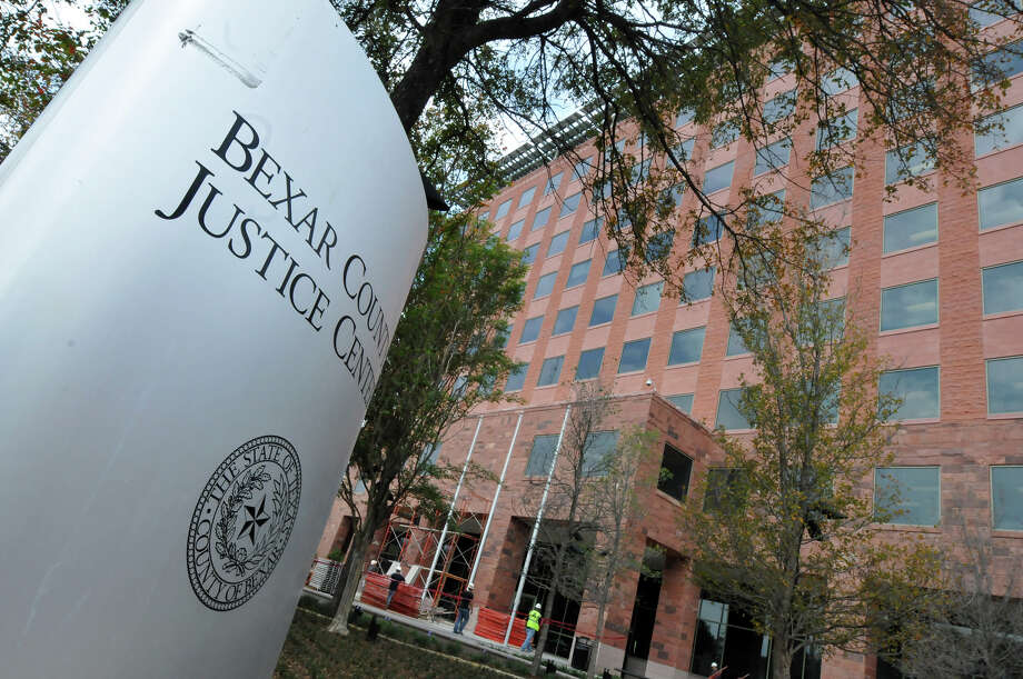 Work is nearly complete on the 10-story Bexar County Justice Center Tower, and county departments such as the district attorney's office are moving in. Photo: Robin Jerstad/Special To The Express-News / Copyright 2010 by Robin Jerstad, www.JerstadPhoto.com