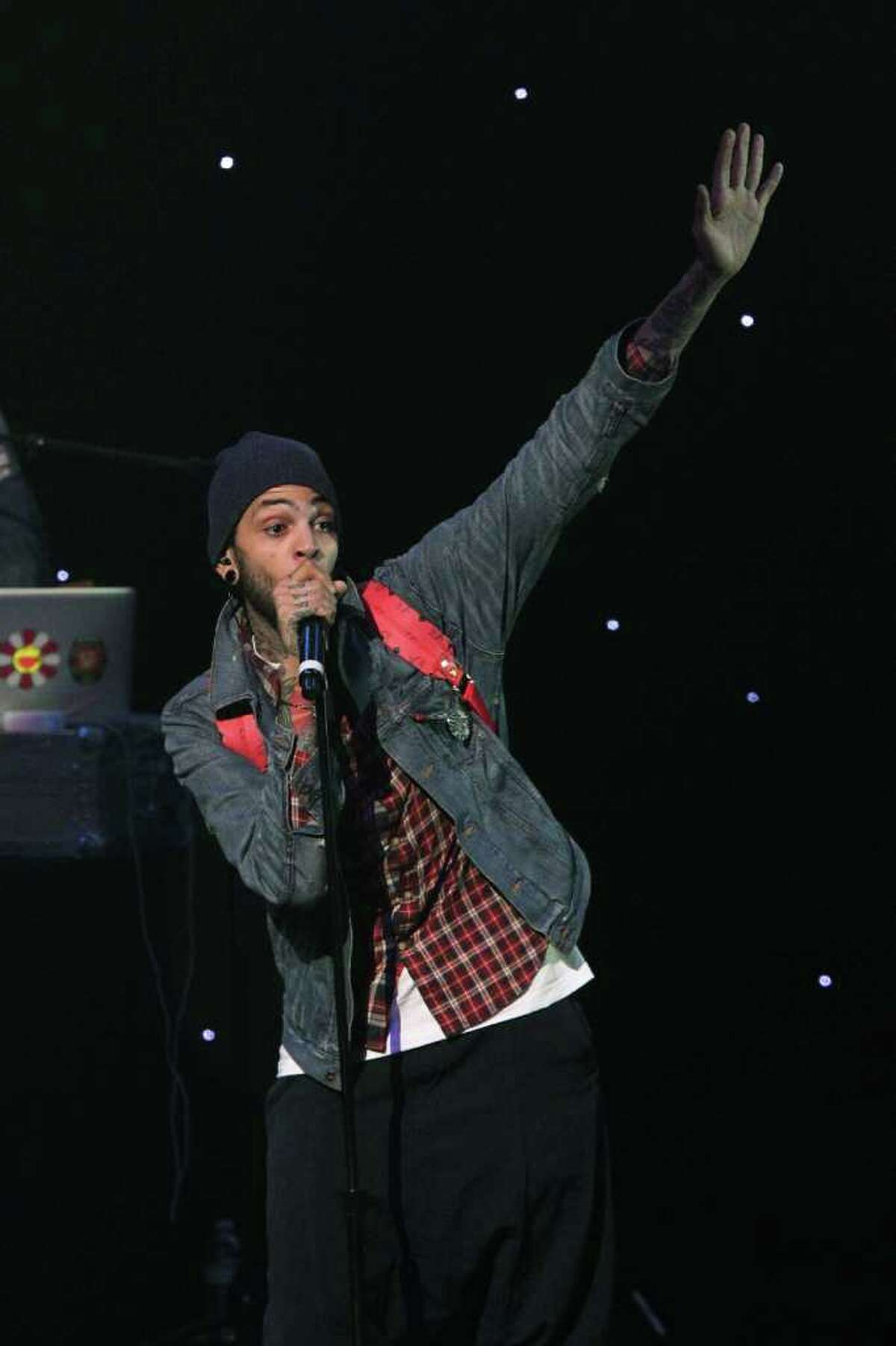 (#23) Billionaire- Travie McCoy featuring Bruno Mars