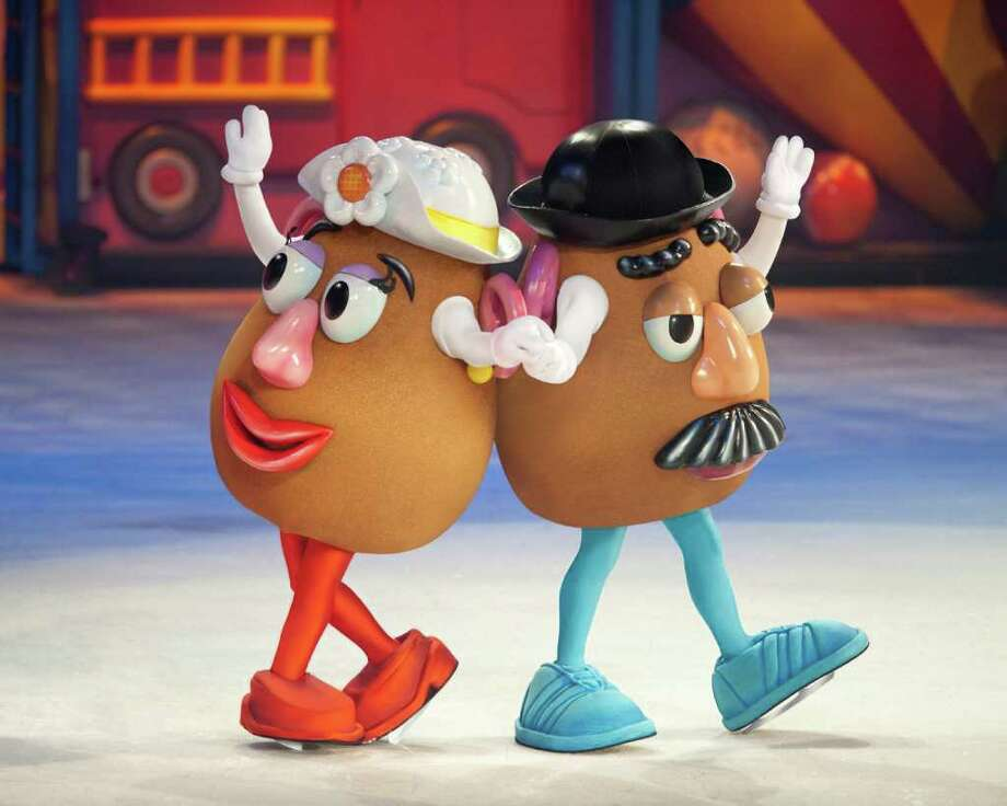 """Mr and Mrs Potato Head in """"Toy Story 3 On Ice."""" (Feld Entertainment) / (C)Feld Entertainment 2010. Please contact Feld Photo for use photorequests@feldinc.com"""