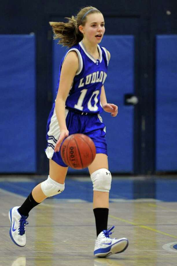 Fairfield Ludlowe's Briana Curran dribbles the ball during Wednesday's game at Staples High School on December 8, 2010. Photo: Lindsay Niegelberg / Connecticut Post