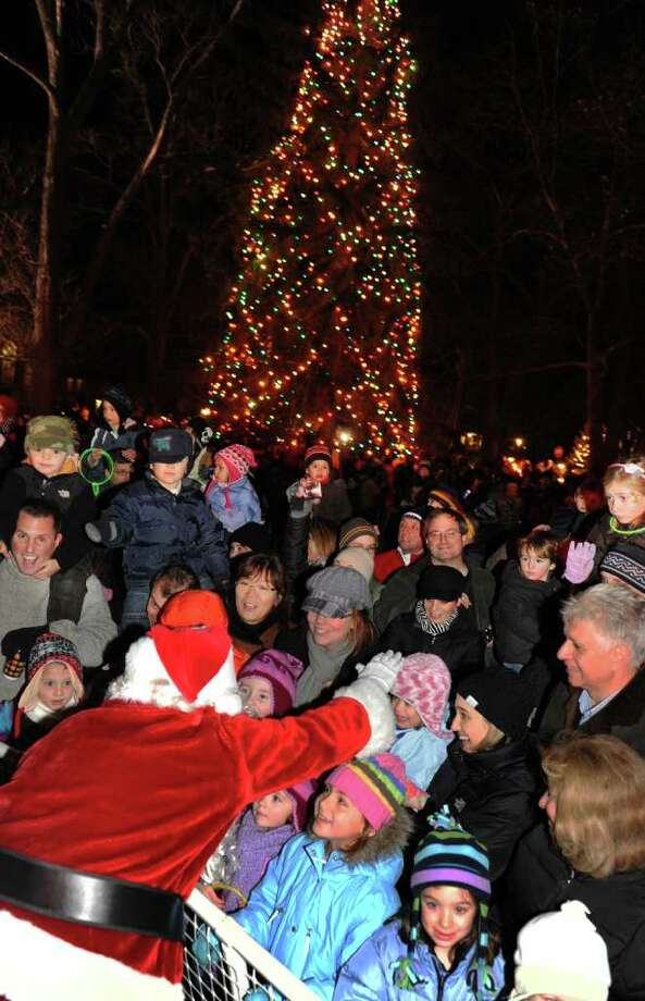 Highlights from the annual Tree Lighting Ceremony which was held at Town Hall Green in Fairfield  sc 1 st  Connecticut Post & Westport wonu0027t u0027boughu0027 to official Christmas tree tradition ... azcodes.com